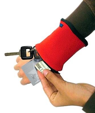 BANJEES: De praktiske armbåndene Banjees er fine å oppbevare kontanter, snøkler og andre småting i på ferie.