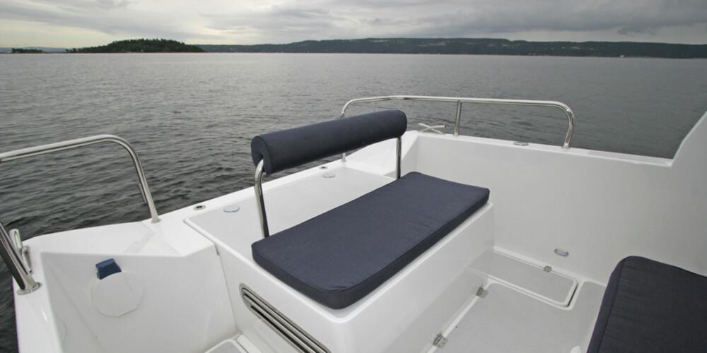 En liten sitteplass akter for de fine dagene.
