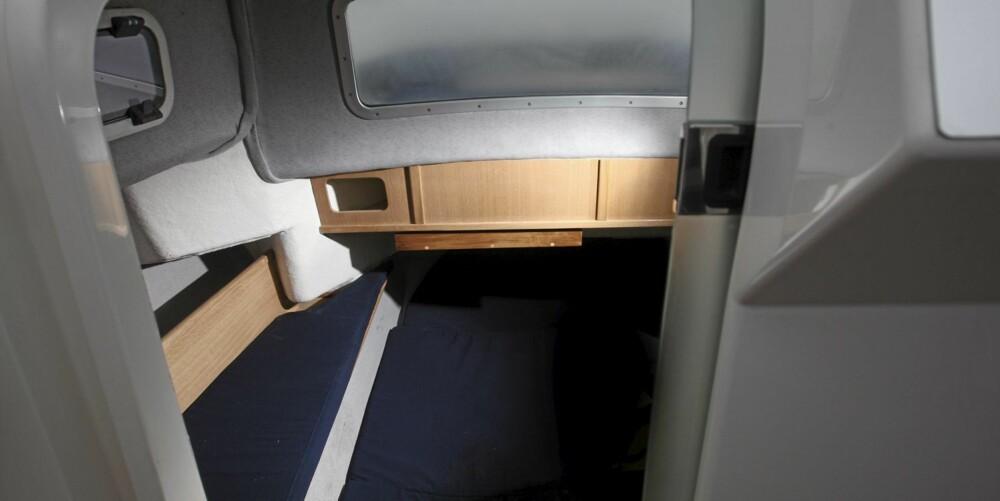 Innredningen i kabinen er pen, nøktern og holder en grei standard.