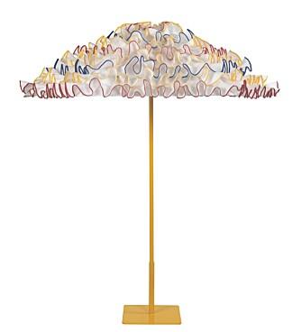 SPESIELL: Amerikanske Fred Hayward designet i 1981 sin første The Santa Barbara Umbrella. Denne Flamenco er fra hans siste kolleksjon. Bestilles på www.sbumbrella.com