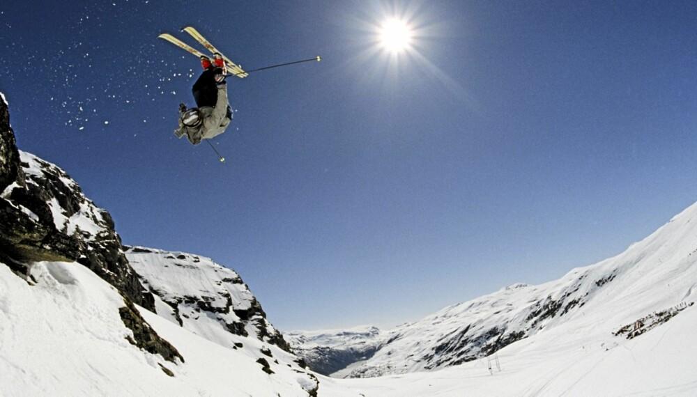 LUFTIG: Bruk sommeren til å finjustere ferdighetene på ski og snowboard.