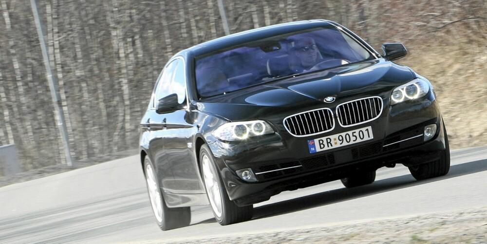 NYTELSE: 5-serie er en nytelse på veien. Som 535iA har den dessuten enorme fartsressurser.