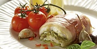 FREDAG: Torsk med pesto, tomater og hvitløk.