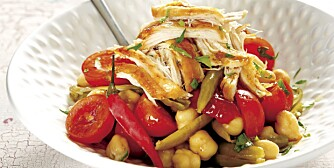 SØNDAG: Kylling- og kikertsalat.