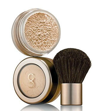 LØSPUDDER: Giordani Gold Mineral Loose Powder (kr 298).