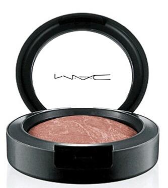 ROUGE: MAC Mineralize Blush, Superdupernatural (kr 195).