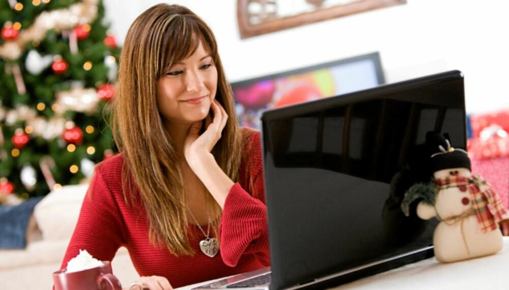JULEFLØRT: I julen har du tid til å sette deg ned foran PC-en og flørte på nettet i ro og mak.
