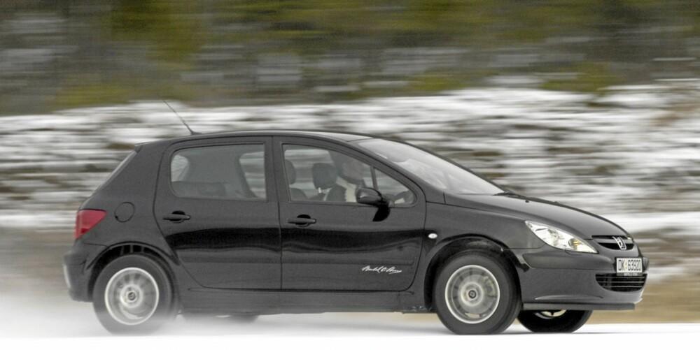 Peugeot 307 har en hyggelig prislapp og kan vise til god plass. Noe som holder til en 3.plass i kompaktklassen.