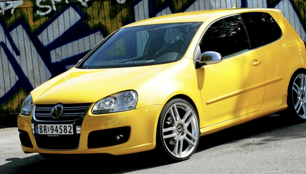 KOMPAKTKLASSEN: Det er jevnt blant kompaktbilene, men VW Golf stikker av med seieren.