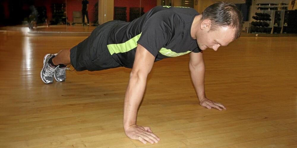 UTGANGSPOSISJON: Lær hvordan du plasserer hender og føtter, og holder kroppen rak.