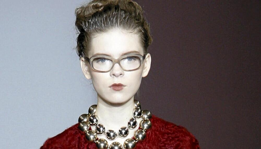 NERDELOOK: Tykke briller ble blant annet sett på catwalken for Marni.