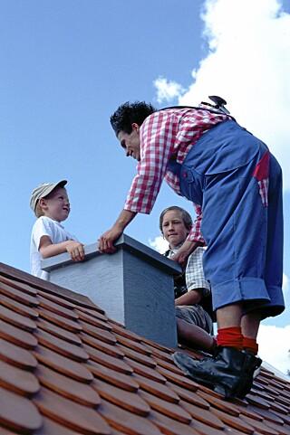 NÆRKONTAKT: Hva med å hilse på selveste Karlsson... På taket, faktisk. Foto: Astrid Lindgrens Värld