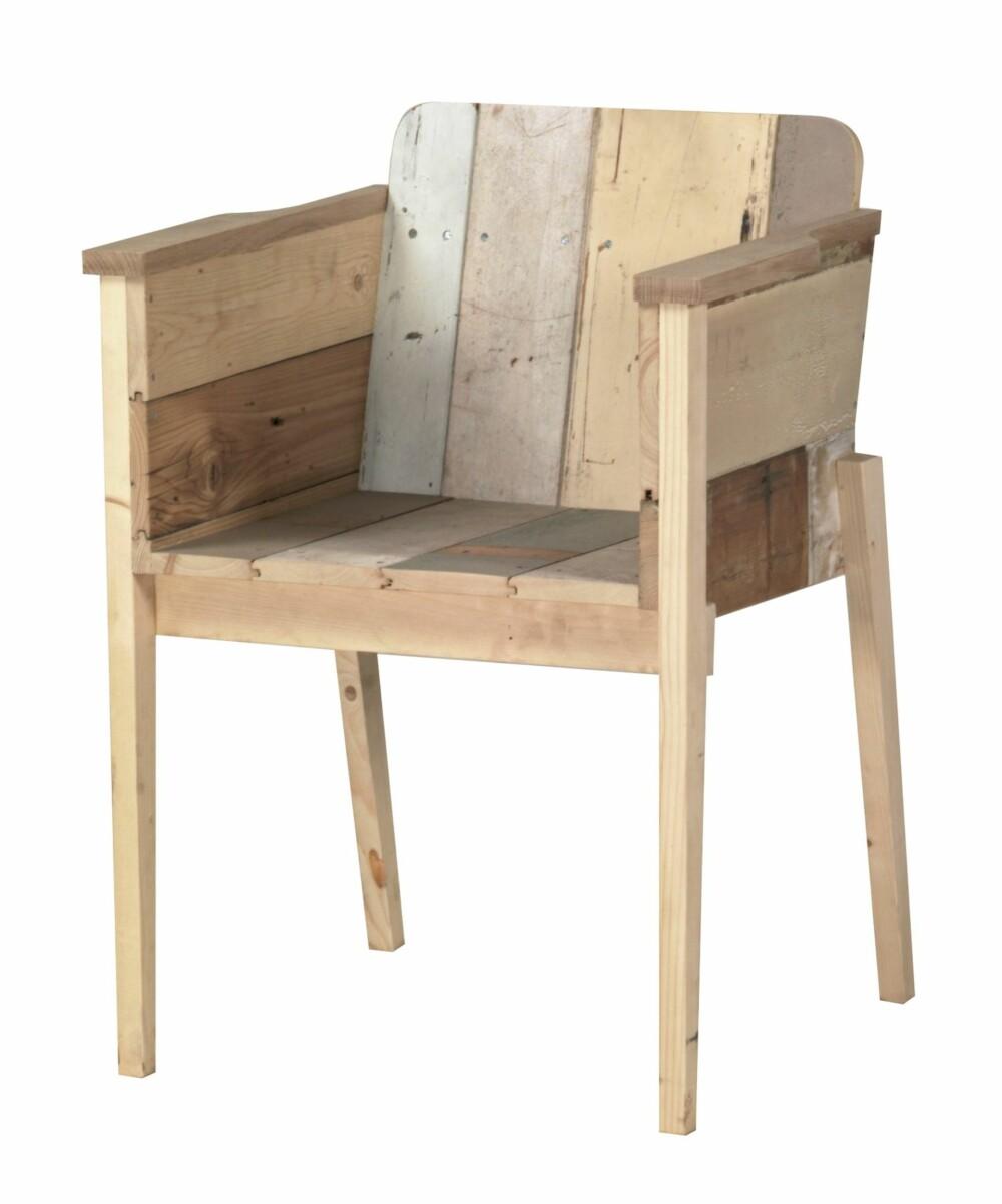 RESTEFEST: Nederlandske Piet Hein Eek er en av de fremste eksponentene for gjenbruksstilen, her representert ved en stol av plankerester, pietheineek, nl.
