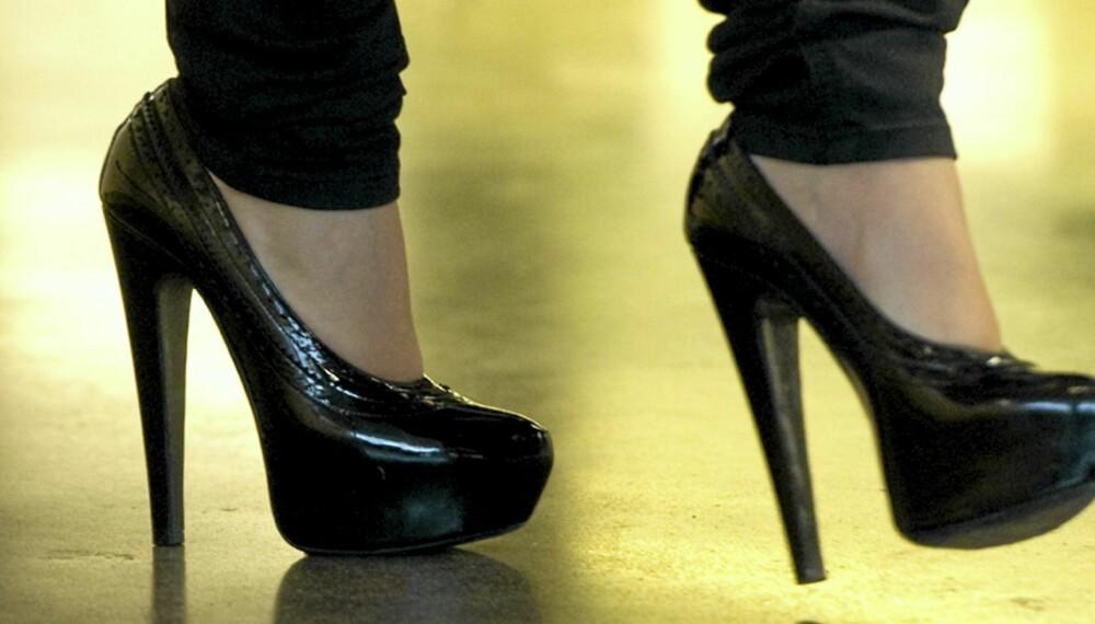 GLEM DISSE: NÅ er det lavere og mer behagelige sko som gjelder.
