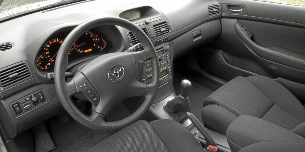 Da Toyota Avensis kom i 2003, var interiøret et av de største fremskrittene fra forgjengeren.