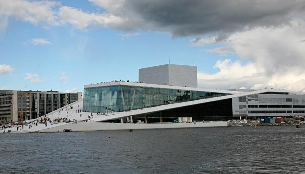 EN OPERA FOR ALLE: Operaen, og ikke minst Opera-taket, kan brukes til så mangt.
