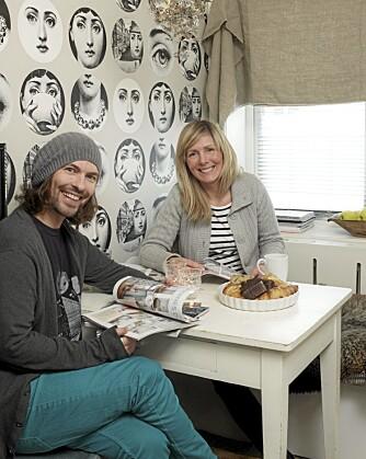 KLEKKER UT IDEER: Espen Thomasgaard og Wilde Otnes møtes ukentlig for å klekke ut rare påfunn.