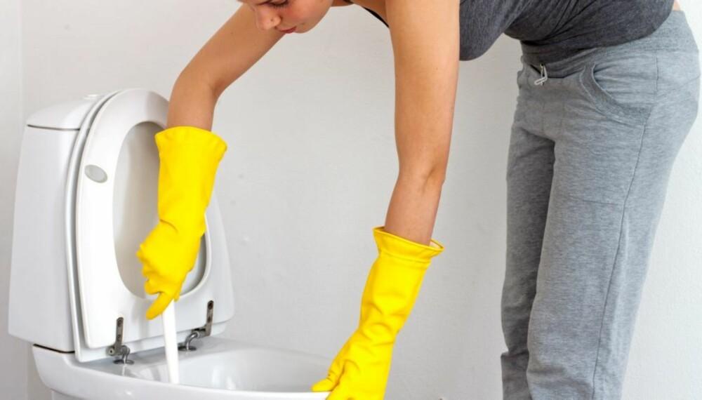 VASKEHJELP: Fristende med vaskehjelp? Sjekk priser hos flere firmaer - det er store prisforskjeller.