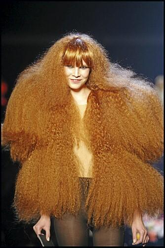 HÅRETE: Balsam kommer i både krem-,lotion-, spray og skumform, og motvirker tørt og frizzy hår.