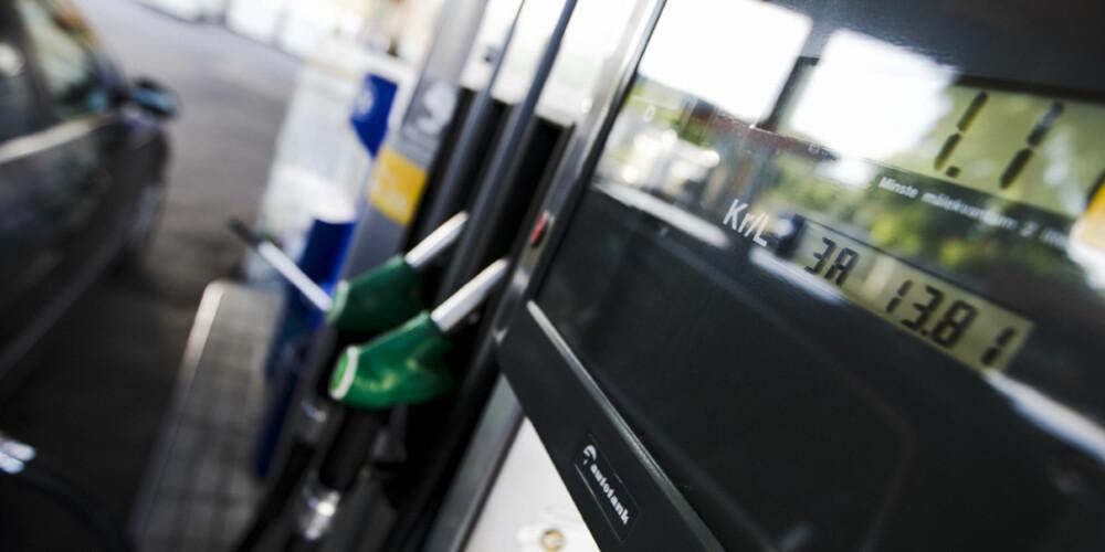 Drivstoffprisene fortsetter å stige, men hvis du følger våre tips vil det ikke gå like hardt utover deg.