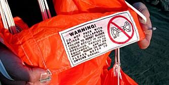 ADVARSEL: Fallskjermsporten en full av advarsler som dette, og en svært regelstyrt aktivitet.