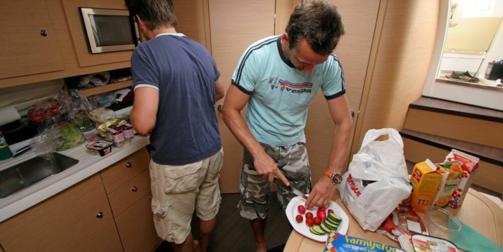 GOD MAT: Det er fullt mulig å diske opp med et godt måltid i Bénéteauen.