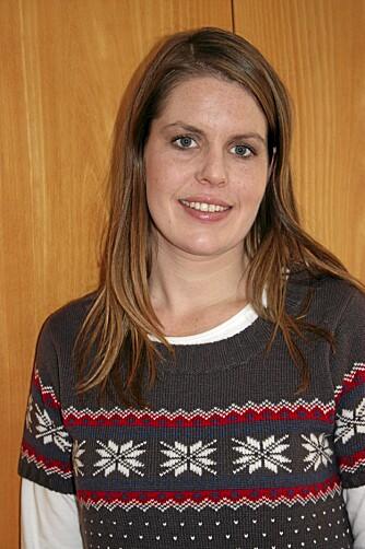 SKRIVER OM UNGE MØDRE: Forfatter og journalist Line Konstali (29) ønsker å formidle at det er ok å få barn, også i ung alder.
