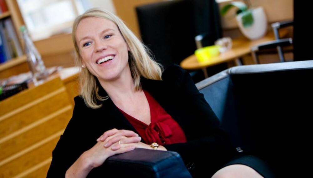 OM JOBB OG HUSARBEID: - Jeg legger aldri sammen en underbukse uten å snakke i telefonen samtidig, ler Anniken Huitfeldt.