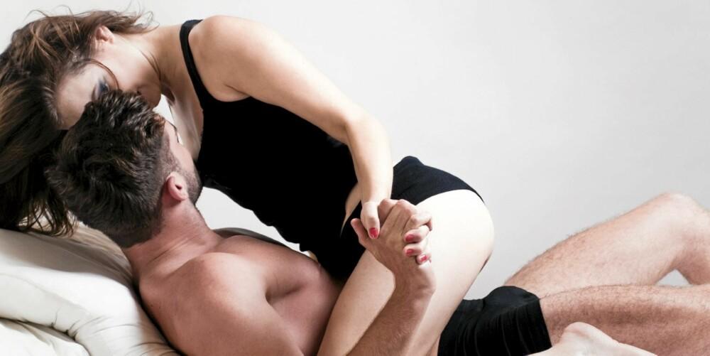 ROLLEBYTTE: Mange menn synes det er deilig når kvinnen tar styringen i sengen til en avveksling.