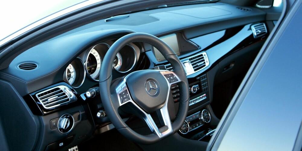 HØY KLASSE: Mercedes gjør mye riktig for tiden. Kjøreegenskapene er blitt mer inkluderende og førermiljøene har fått et mer sportslig preg, og som vanlig er materialkvaliteten topp.