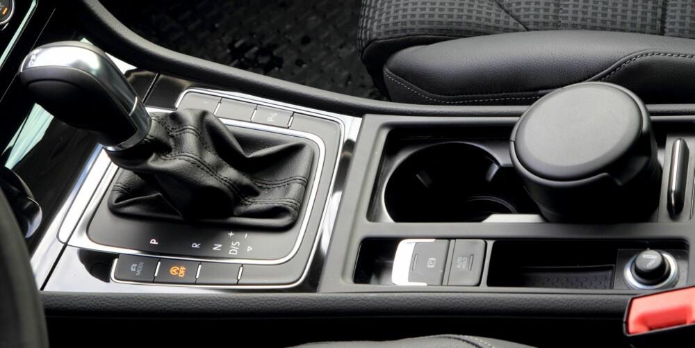 RETT VALG: DSG-girspaken passer flott i denne Golf-versjonen. Utmerket kjørekomfort og full utnyttelse av motoren er stikkord.