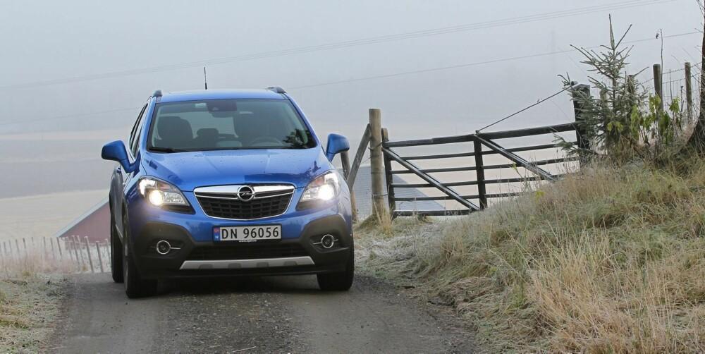 BEST I BY'N: Opel Mokka har ikke noe i mot en langtur på landet.....