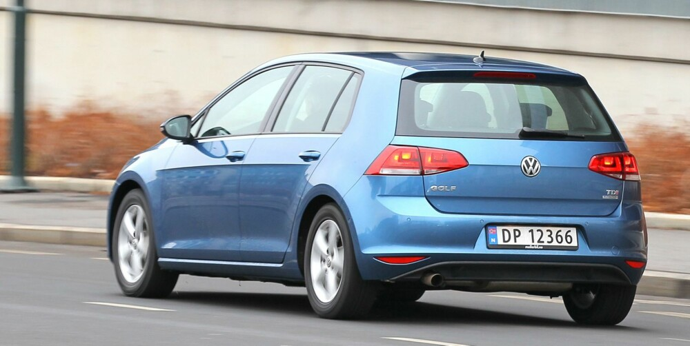 BRED: Designet på hekken gir nye VW Golf et bredbent uttrykk også på standardversjonene.