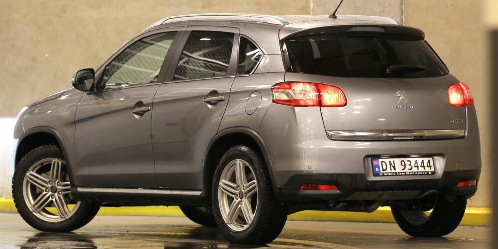BEDRE ENN ASX: Med Mitsubishi ASX som utgangspunkt, pynter Peugeot på en folkelig og ikke så veldig moderne grunnform. Vi synes 4008 ser bedre ut enn originalen. FOTO: Petter Handeland