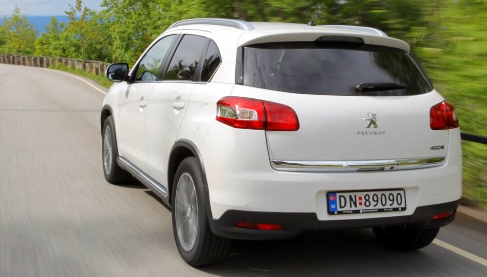 PENERE: Peugeot 4008 ser bedre ut enn originalen, men er likevel en ganske uspennende SUV. FOTO: Terje Bjørnsen