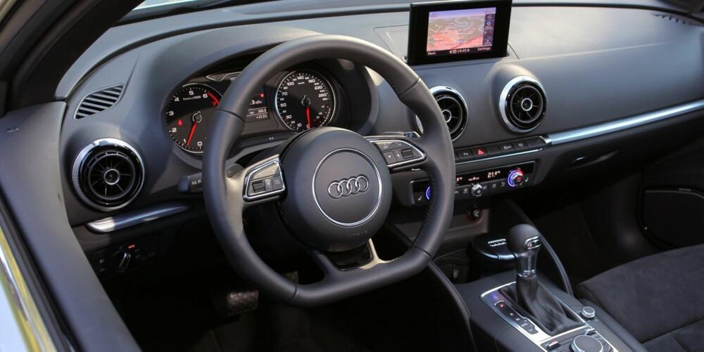 INGEN GJØR DET BEDRE: Design, logikk og kvalitet er toppklasse i Audi A3-interiøret.