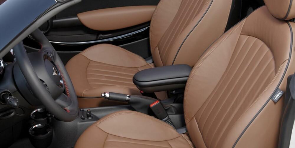 GODE SETER: Mini Roadster skal imidlertid ha skryt for en sittestilling som gjør at du kan holde på bak rattet i timevis uten å bli støl. Foto: Terje Bjørnsen
