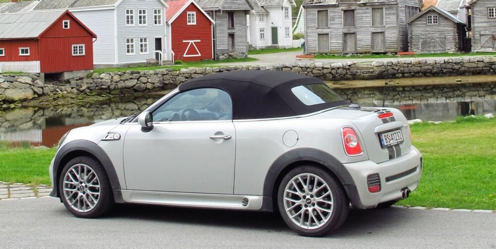 NED MED TAKET: Roadster med taket opp er bare støy, mens roadster med taket nede er godlyd. Så det gjelder å holde kalesjen der den hører hjemme. Foto: Terje Bjørnsen