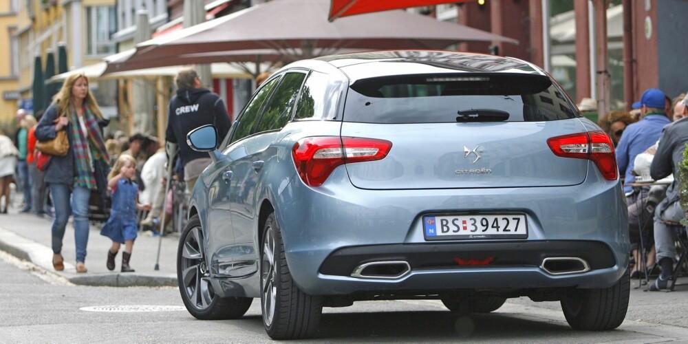 RETTE ELEMENT: Citroën DS5 tar seg godt ut i urbane strøk. FOTO: Petter Handeland