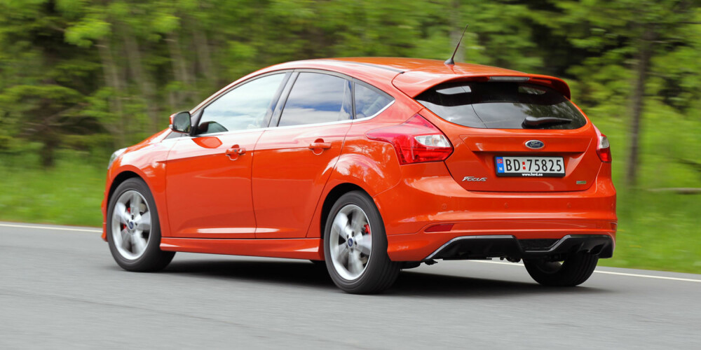 HOLDER KOKEN: Designet til Ford Focus holder seg nesten like godt som veiegenskapene. FOTO: Terje Bjørnsen
