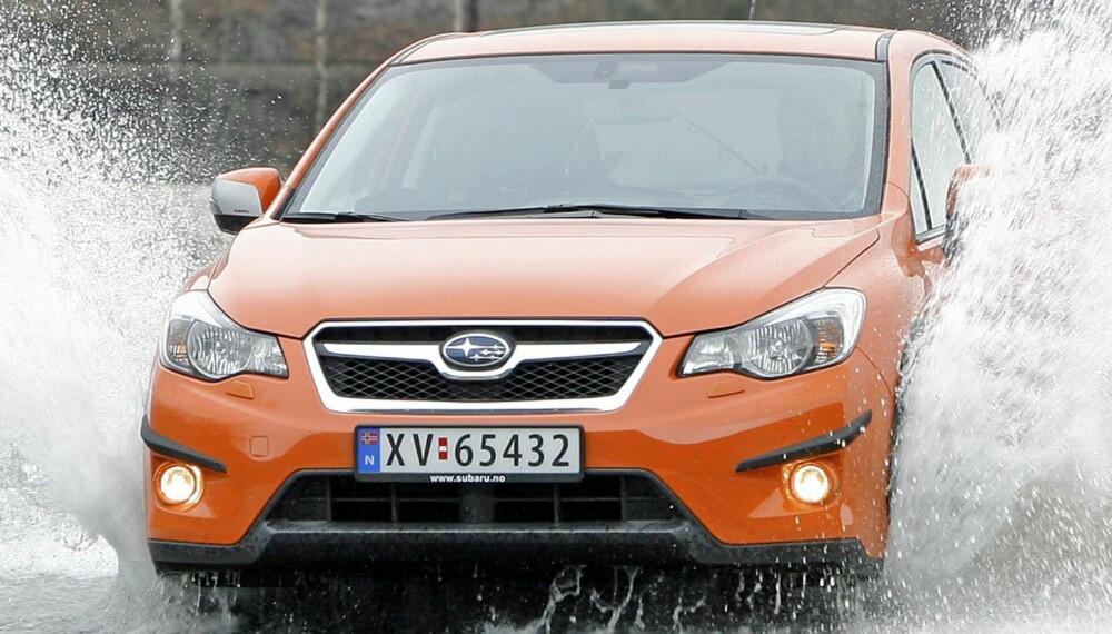 TØFFING: I god fart over røft underlag er den i sitt ess. XV gir den robuste følelsen Subaru er kjent for, og har faktisk hele 22 centimeter bakkeklaring. Foto: Petter Handeland