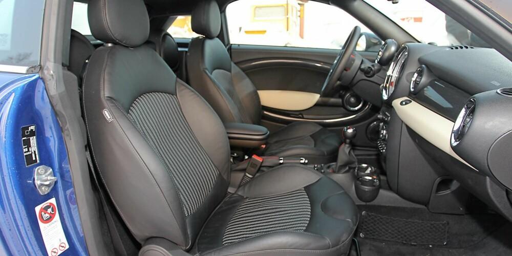 REDDER DAGEN: Komfort er ikke den sterkeste egenskapen til Mini Coupe Cooper S. Men gode sportsseter redder mye av langtursegenskapene.