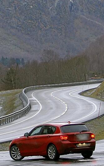 HJEMMEBANE: 1-serie er som skapt for asfaltveier av god kvalitet der det er tett mellom svingene.