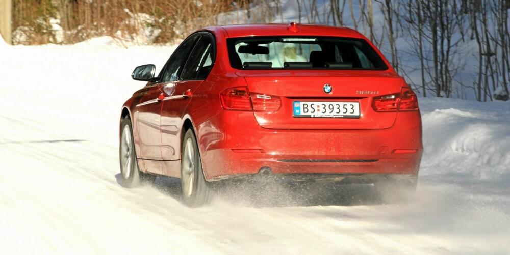 BRA GREP: En elektronisk differensialbrems og smarte styringssystemer gjør BMW 3-serie sikker også på vinterføre.
