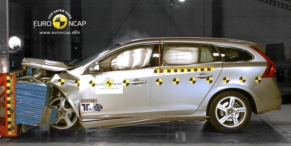 STJERNESMELL: V60 er den sikreste bilen i klassen for store familiebiler i 2011.