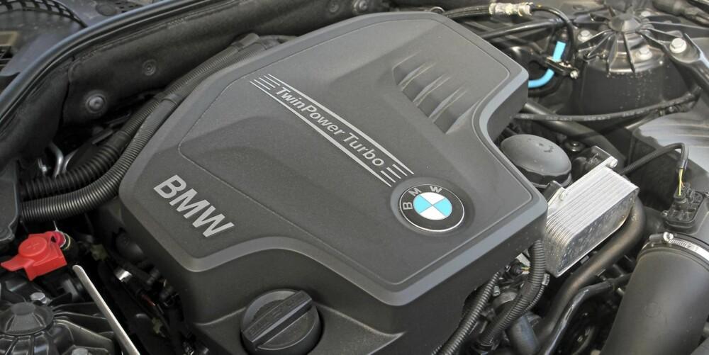Se, jeg krympet motoren: BMW satser på downsizing også i større modeller. Bak 528i-merket skjuler det seg en sprek firesylindret turbomotor.