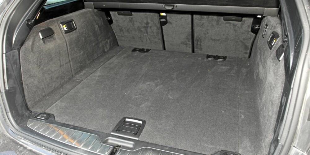 Kvadratisk: Plassmessig er BMW 5-serie bra, og rette linjer i bagasjerommet gjør det lettlastet.