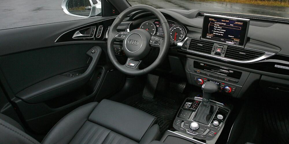 SOBERT: Førermiljøet i en påkostet Audi A6 Avant gir en solid luksusfølelse.