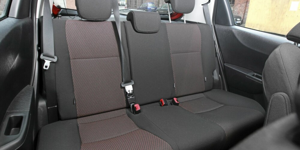 ROMMELIG: Akselavstanden er økt med 50 mm og bredden med 30 mm. Det gjør Yaris til en av de rommeligste bilene i sin klasse.