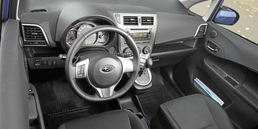 ENKELT: Interiøret er relativt enkelt, men alt du trenger av utstyr er standard.